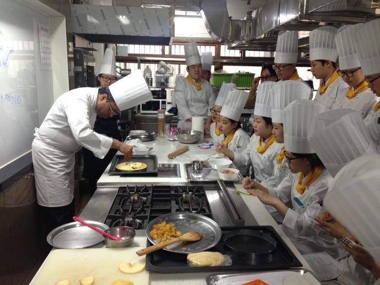Vừa học vừa thực tập ngành nấu ăn với visa D4-6