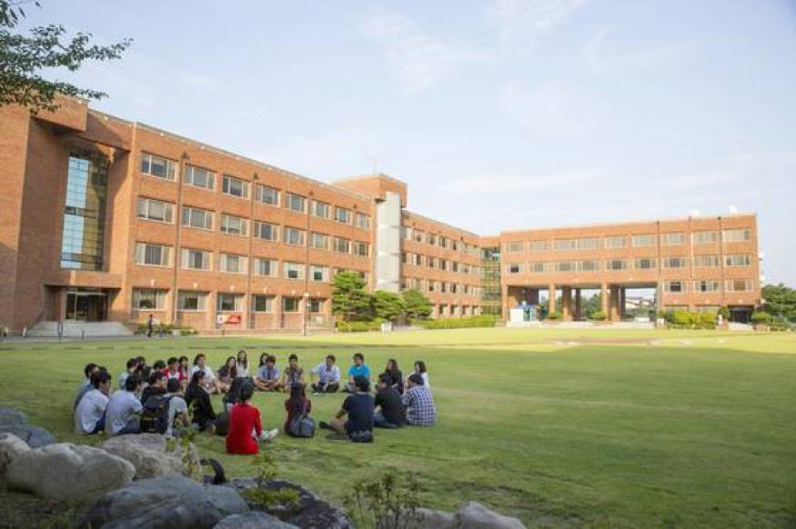 Trường đại học toàn cầu Handong giao lưu liên kết giáo dục với mọi quốc gia