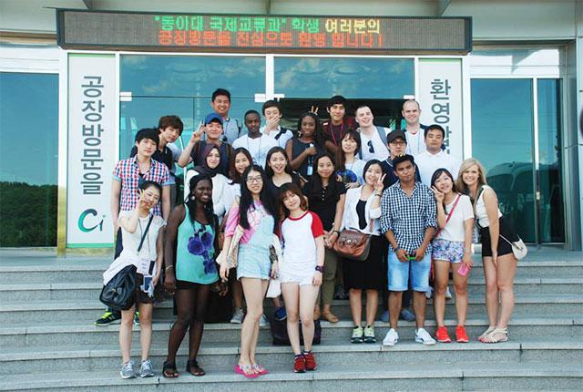 Sinh viên quốc tế đang theo học tại trường