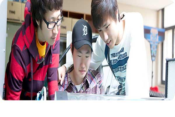 Sinh viên nam lựa chọn học đông ngành công nghệ ô tô