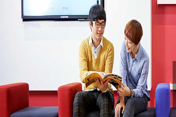Sinh viên đang theo học trường cao đẳng Yuhan